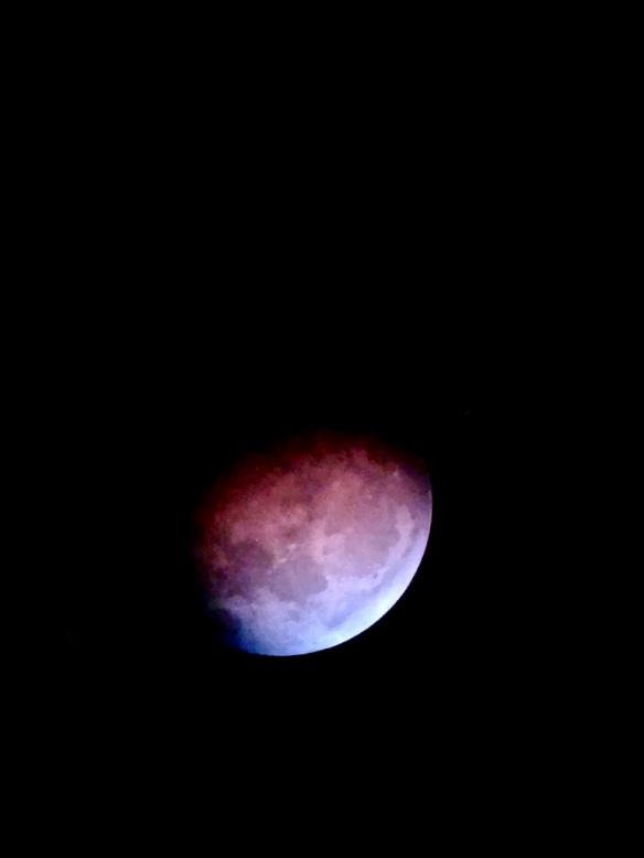 eclipsing moonsg